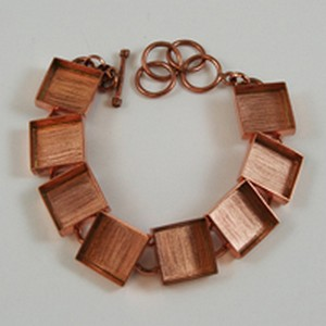 (48J142) DEEP WELL SQUARE LINK BRACELET COPPER